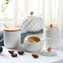 Domowe przybory kuchenne solniczka/kreatywny olejarka wzór fali słoik na przyprawy biała ceramiczna pokrywa drewniana proste narzędzie do przechowywania
