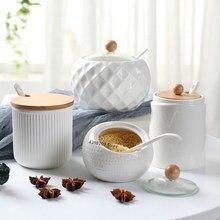 Fontes de cozinha do agregado familiar saleiro/oiler criativo onda padrão tempero jar cerâmica branca capa madeira simples ferramenta armazenamento