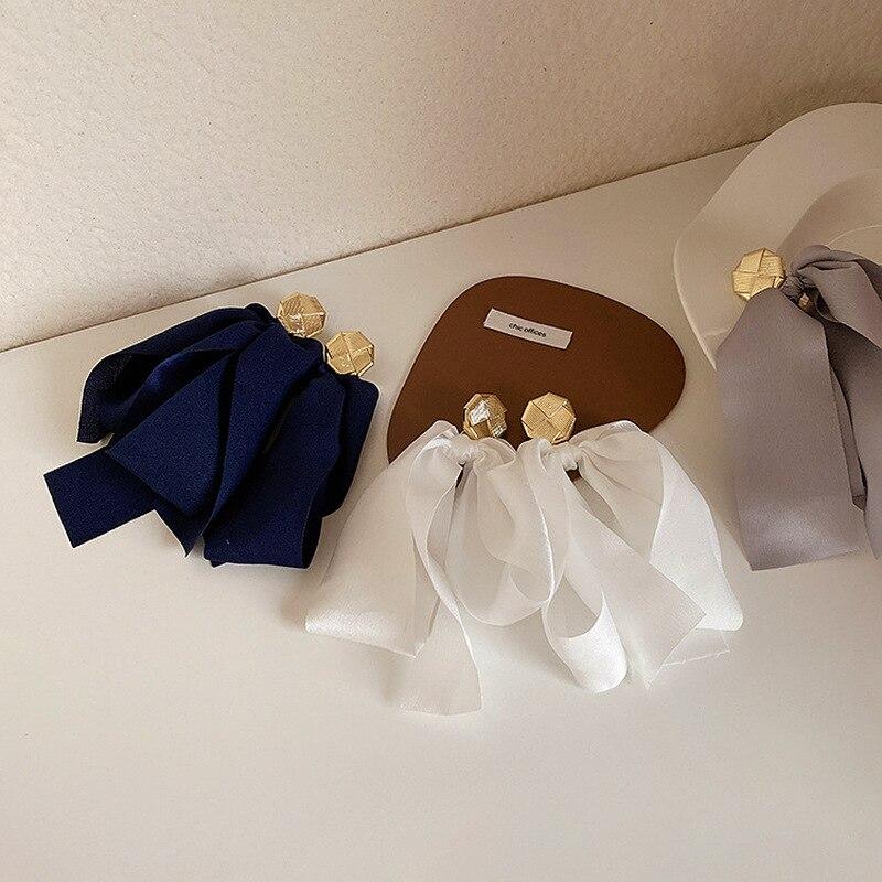 Французский преувеличенный бант из ткани серьги для Для женщин элегантные белые Темно-синие серыми лентами большой крест завязанный Серьг...