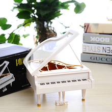 Plastic Music Case Eight Tone Box Creative Beautiful Christmas Piano Keepsake Kids Music Box Festival Gift Ornaments