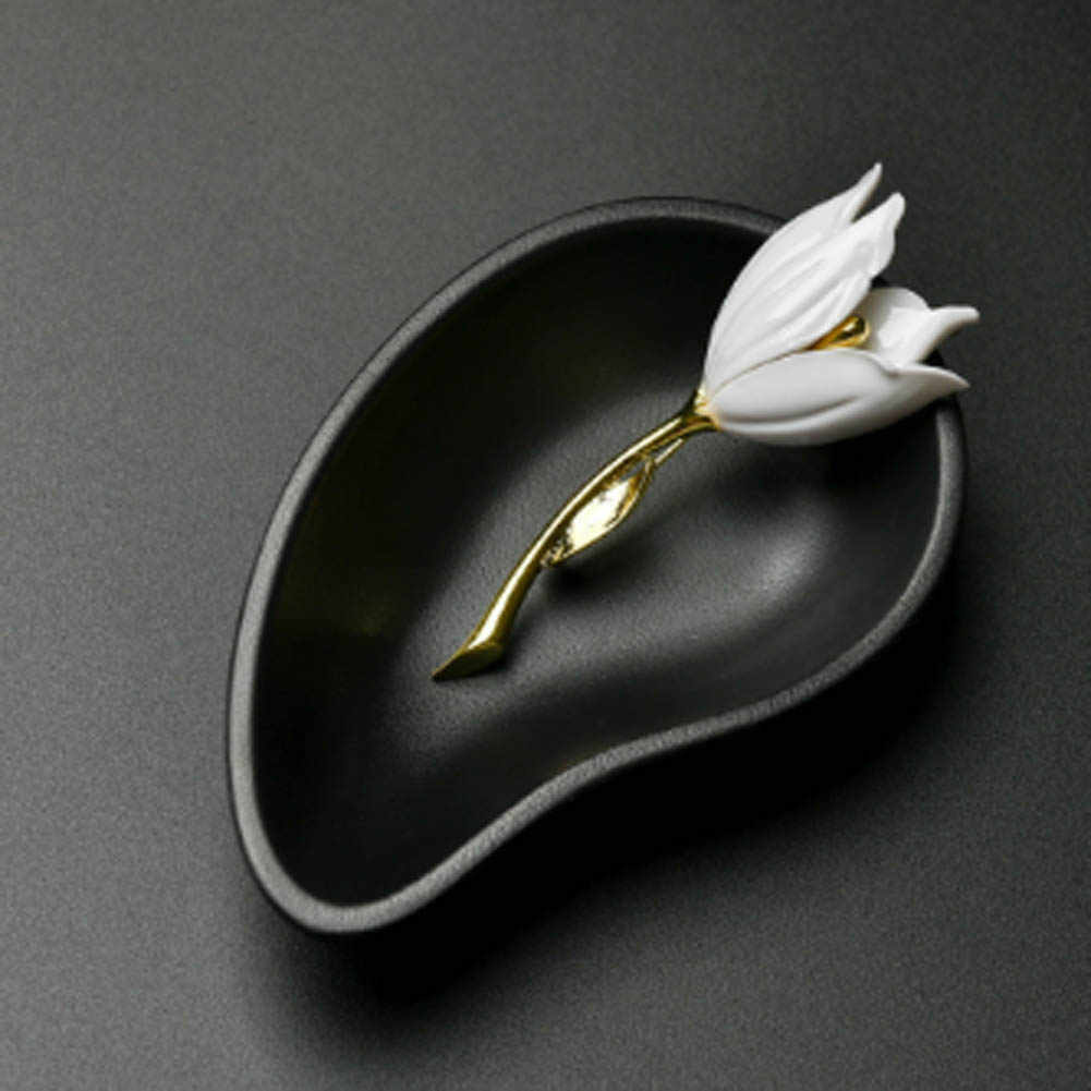 Moda biżuteria akcesoria biały czerwony tulipan broszka nowy unikalne popularne Party prezent na Boże Narodzenie Hot broszka zestawy biżuterii