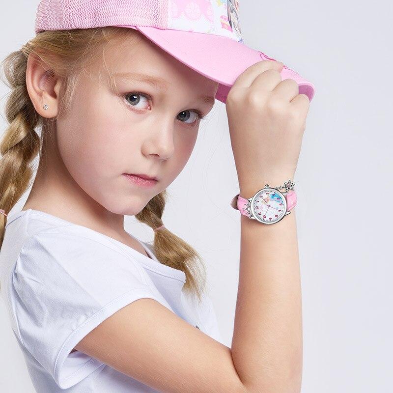 Дамы Роскошь Bling Кристалл Бриллиант Снежинка Кулон Мягкий PU Ремешок Часы Женщины Мода Повседневный Часы Девушка Часы Студент Время Топ