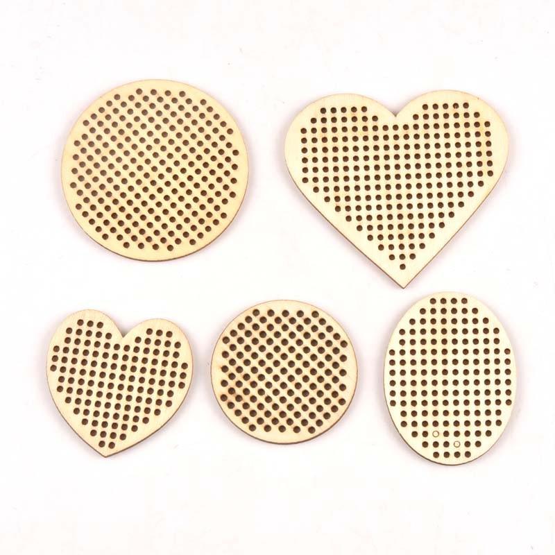 10Pcs Heart Round Cross Stitch Hole Carving Wooden Scrapbooking Craft For Embellishments Handmade Diy Handicraft Decor Mt2564