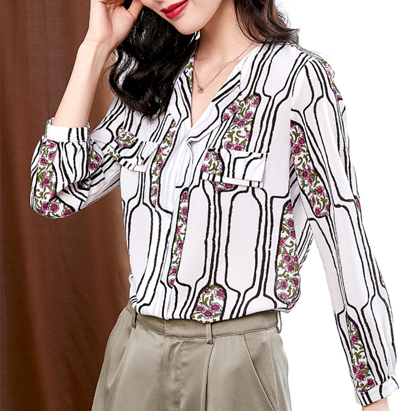 Korean Fashion Chiffon Women Blouses Shirts Elegant Office Lady V Neck Print Shirt Plus Size Woman Long Sleeve Striped Blouse