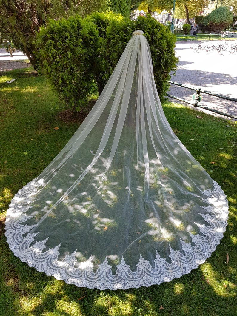 High End Customized Bridal Veils Lace Appliques Edges Veil For Bridal White/ivory Wedding Veil With Comb