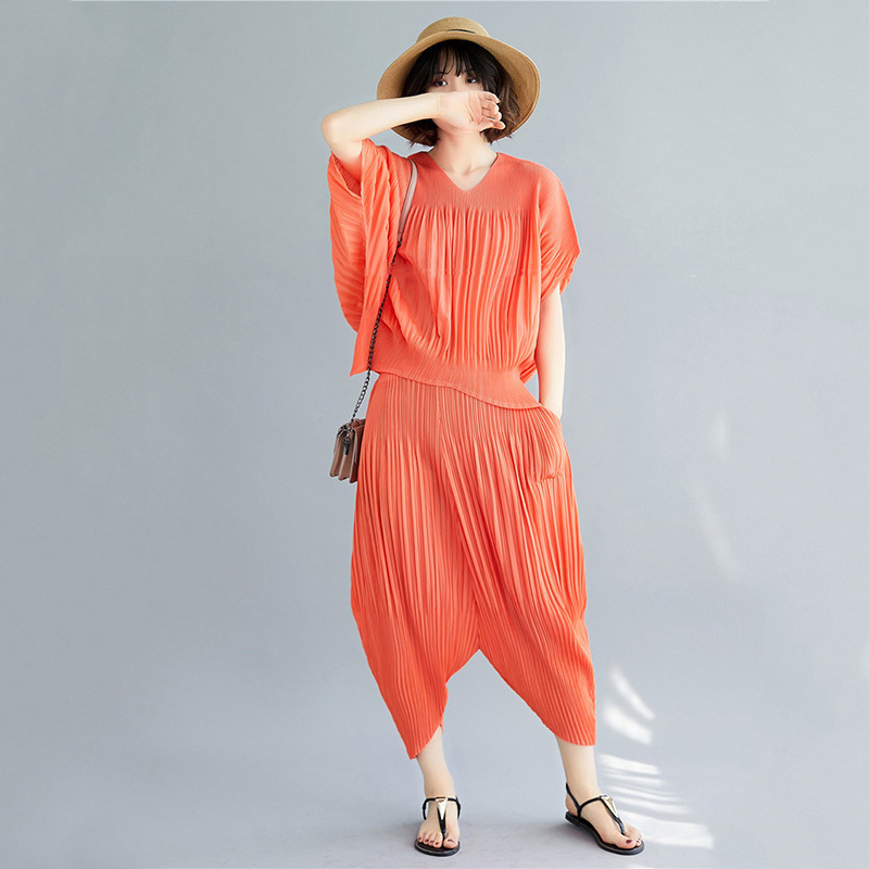 TVVOVVVIN Red Bat Short-sleeved V-neck Pleated T-shirt Seven-point Pants Plus Women Suit Casual Fashion 2019 Summer New F797