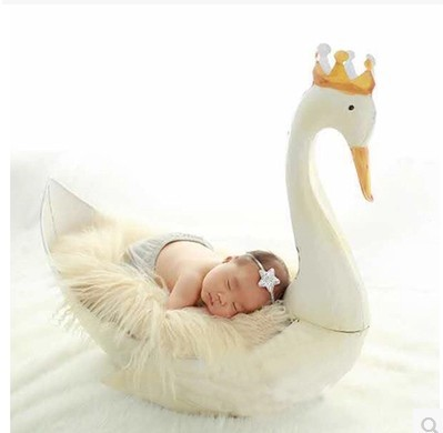 Newborn Photography Props Children's Photography Props Wrought Iron White Swan Newborn Hundred Days Baby Photo Props Gifts Toys