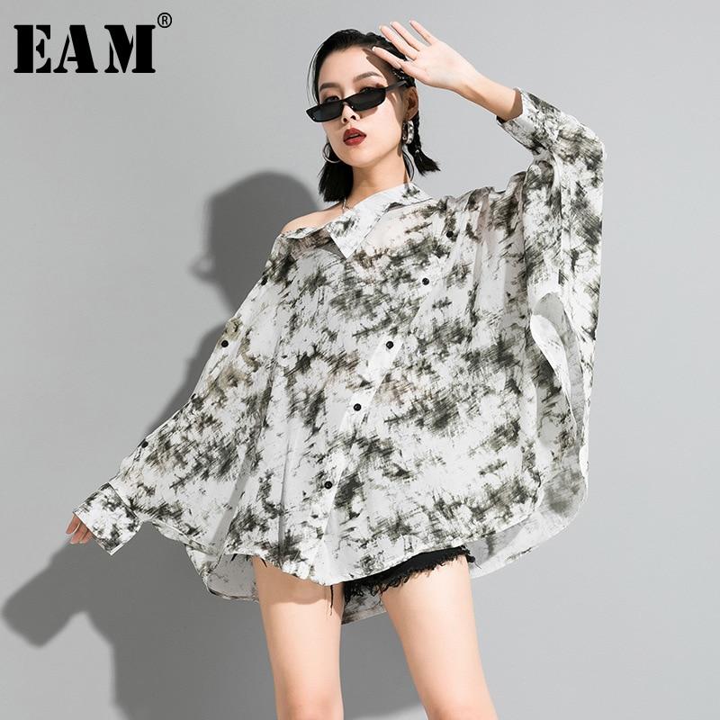 [EAM] Women White Pattern Printed Big Size T-shirt New Asymmetrical Collar Long Sleeve  Fashion Tide  Spring Autumn 2020 1R631