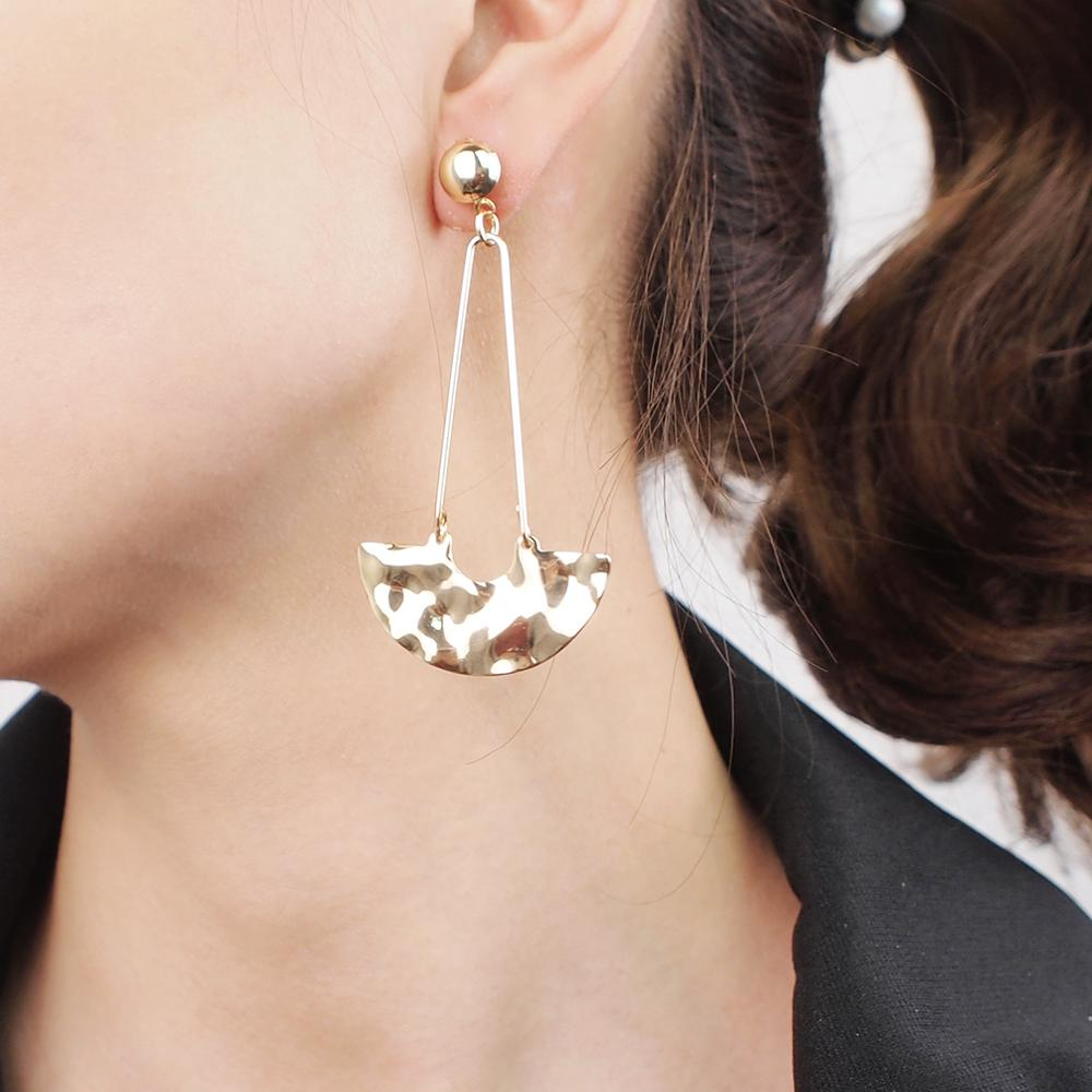 Charm Lovely Metal Stud Earrings For Wome Unique Simple Alloy Earring Party Jewelry Hot Wholesale Gold Color Brincos UKMOC