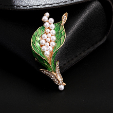 Vintage enamel green plant pearl bouquet pin fashion lady jewelry new year gift