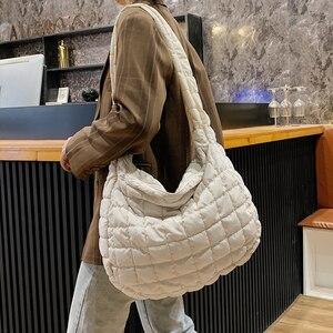 2021 New Winter Soft Down Fabric Shoulder Bag Branded Quality Women's Designer Big Capacity Underarm Pack Large Female Purses