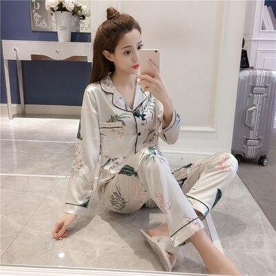 Autumn & Winter Hot Selling Silk Comfortable Maple Leaf Cardigan Long Sleeve Imitated Silk Fabric Leaf Pajamas Women's Real Silk