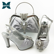 Italian design Women Shoe and Bag Set in Silver Color High Quality Peep Toe Shoes and Bag with Shinning Crystal for Garden Party new gold office shoe and bag set women shoes and bag set in italy design italian shoes with matching bag set wedding dress shoes