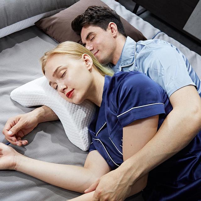 Almohada de espuma de rebote lento curvo para parejas, almohada de memoria antipresión para la mano, entumecida y protección del cuello y los brazos muertos, siesta en la oficina