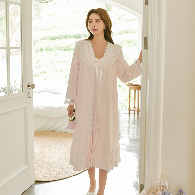 Sweet Winter Thick Velvet Women's Robe Sets Long Sleeve White Lace Vintage Princess V-Neck Flannel Long Sleepwear Loose Bathrobe