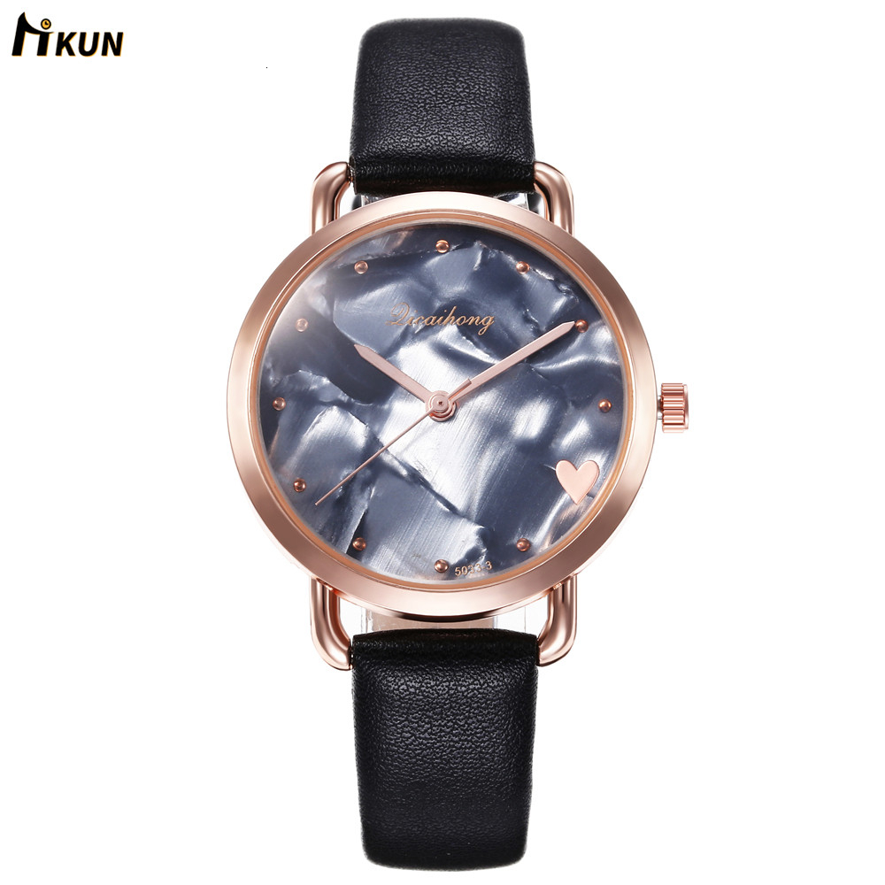 Fashionable Women Casual Quartz Leather Band New Strap Watch Analog Wrist Watch Hot Sale Simple Black White Watches For Female