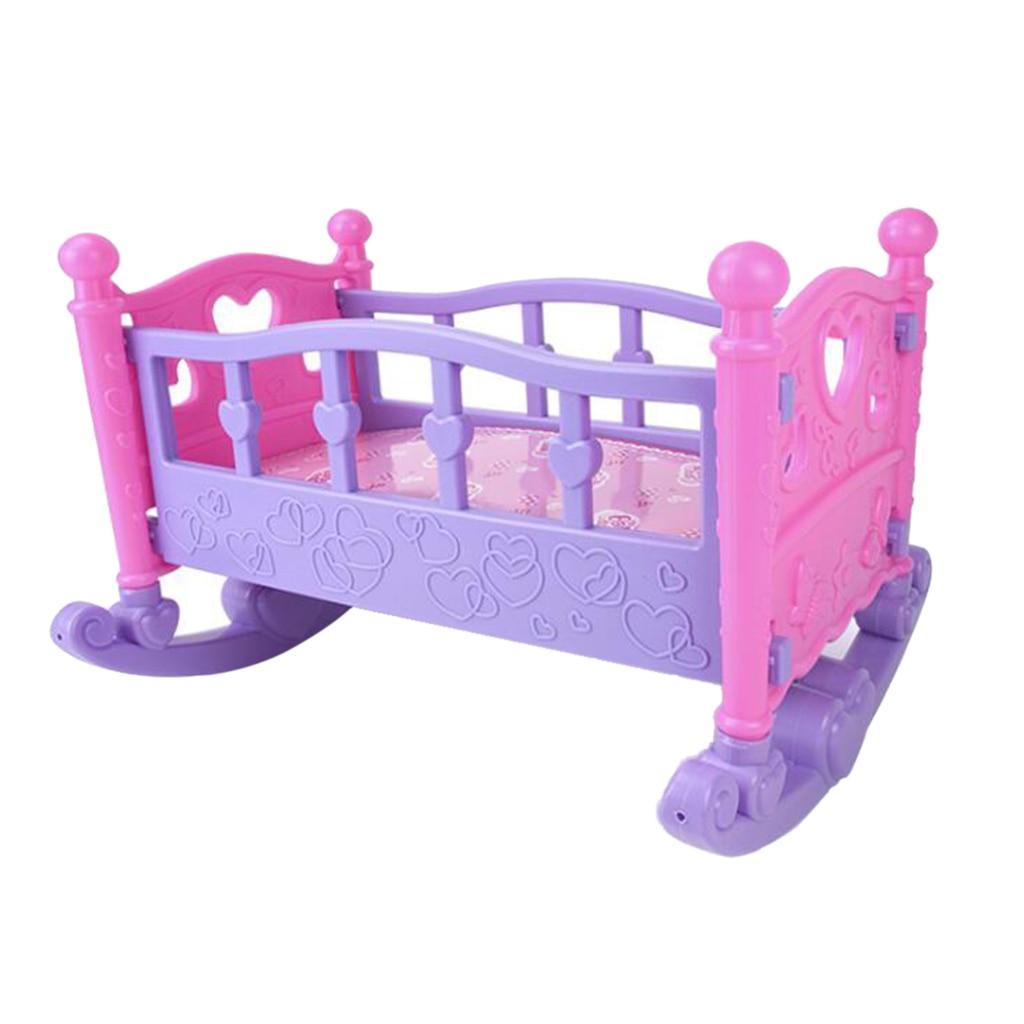 人形ロッキングベッドおもちゃベビーベッドピンク保育園のおもちゃ女の子ふりロールプレイ年齢 3 +