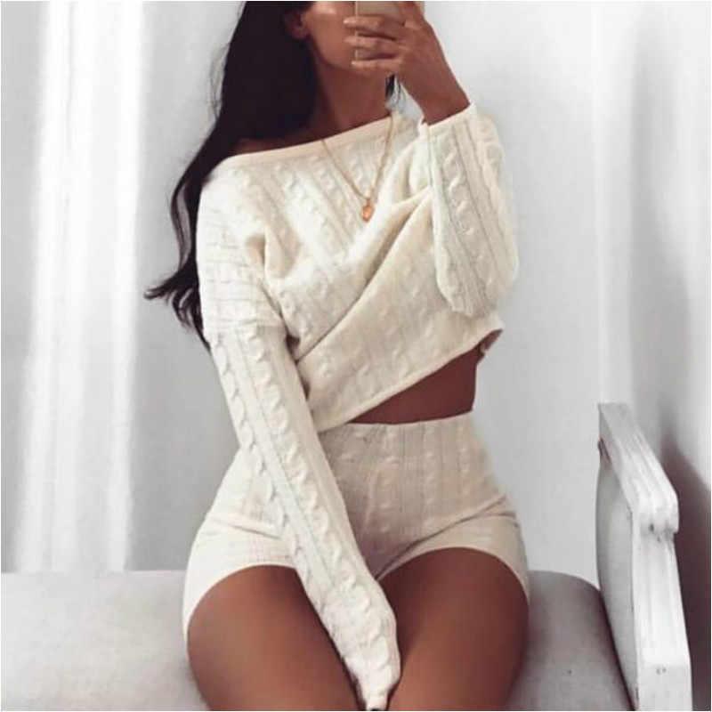 Kadın iki parçalı Set örme uzun kollu mahsul Tops ve Bodycon şort takım elbise kış seksi 2 parça Set kadın kıyafetleri