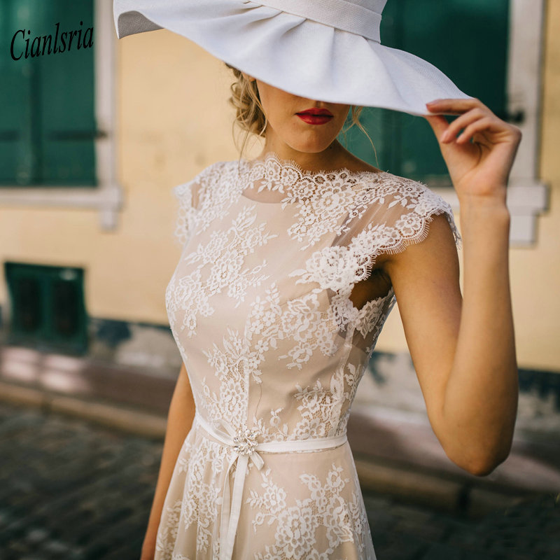 Champagne Elegant Backless Long Boho Wedding Dress With Sashes Cap Sleeves Appliques Lace Country Bridal Wedding Dresses