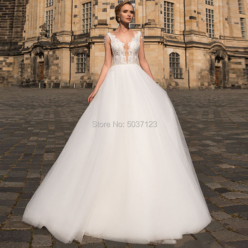 Beach Tulle A Line Wedding Dresses Sleeveless Beading Lace Appliques Vestido De Noiva Backless Sweep Train Robe De Mariee
