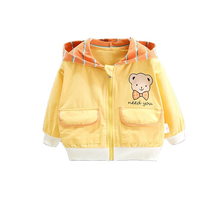 Демисезонная модная одежда для детей куртка с капюшоном мультяшным