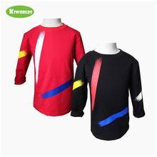 子供服の春の秋の綿tシャツ、黒と赤の少年快適な服