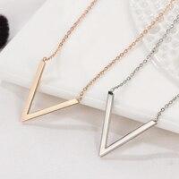Acier inoxydable lettre collier femmes mode petit V pendentifs chaînes en or sur le cou collier argent colliers bijoux simple