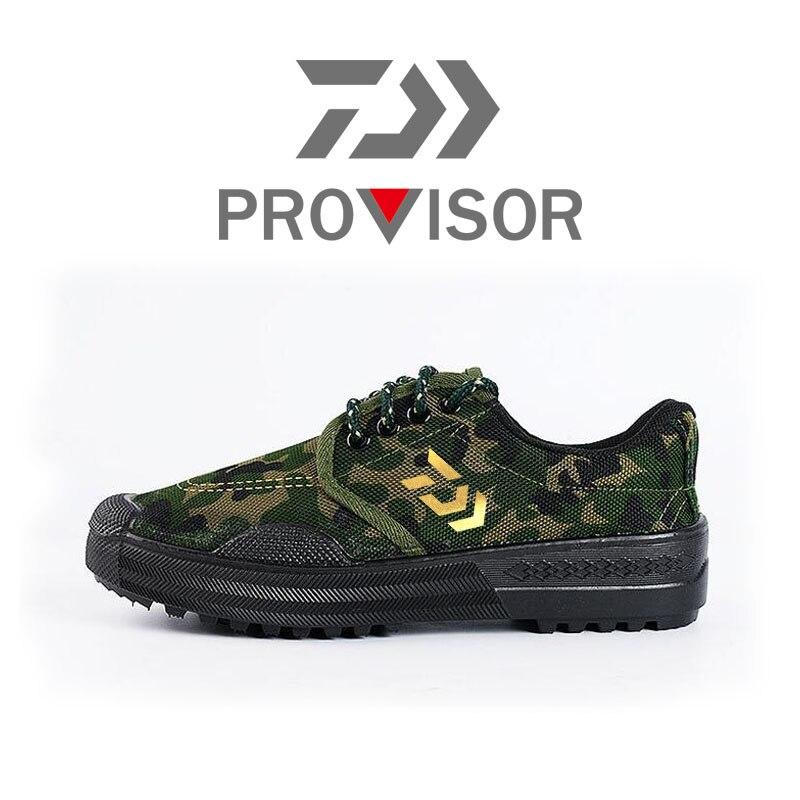 2020 nouveau Daiwa hommes chaussures de plein air chaussures de pêche antidérapantes respirant chaussures à séchage rapide Camouflage chaussures d'escalade en plein air chaussures de Wading