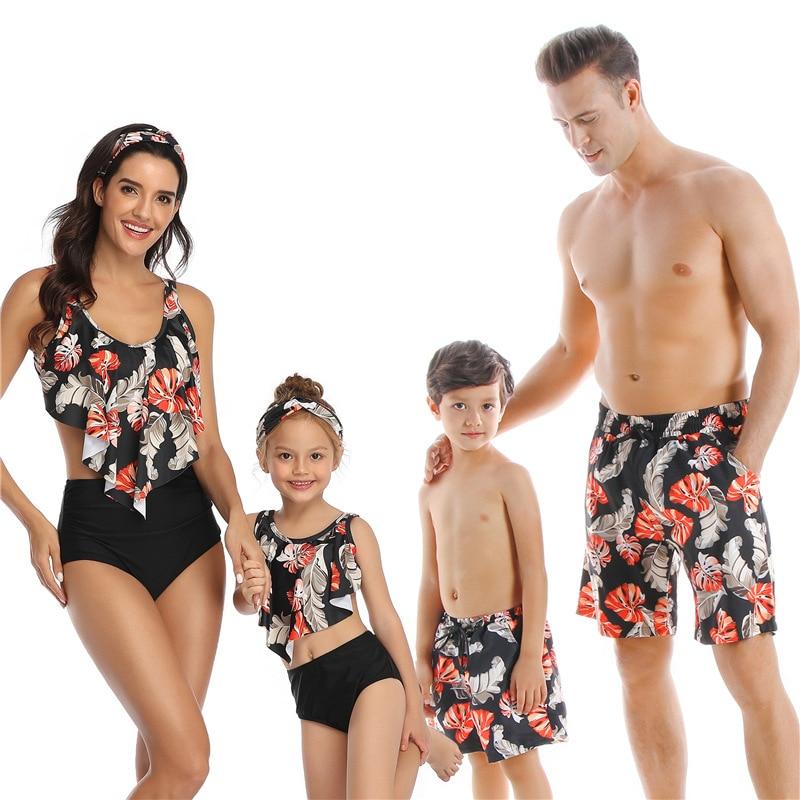 2020 Nuova Estate Papà Figlio Costumi da Bagno Shorts da Bagno Spiaggia Costumi da Bagno di Famiglia Look Mamma E Figlia di Costumi da Bagno Bikini di Corrispondenza Abiti
