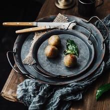 Placa de Metal Retro europea con asas hechas a mano redonda de almacenamiento Vintage bandeja de pan decoración para el hogar y jardín restaurante