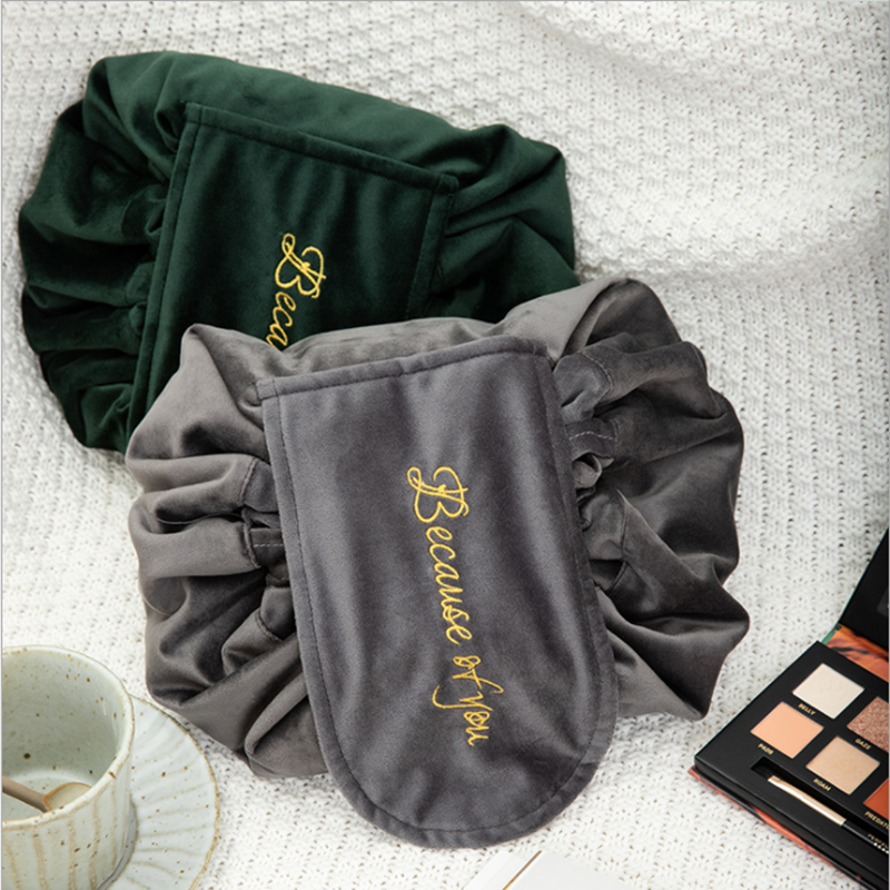 cosmetic pouch velvet women (1)