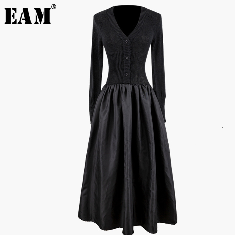[EAM] Women Black Button Pleated Long Knitting Dress New V-Neck Long Sleeve Loose Fit Fashion Tide Spring Autumn 2019 1K043