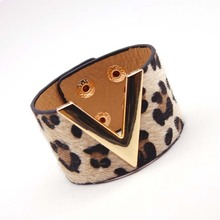 New Fashion Leopard Horsehair Leopard Leather Bracelet Simple All Match MS V Style Word Wide Women Wrap Bracelet Bangles