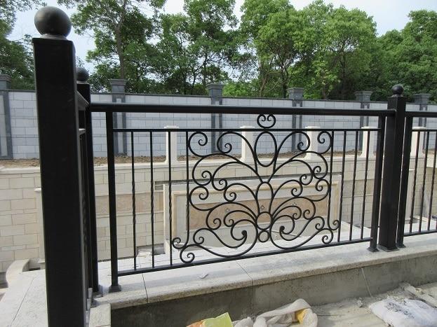 Hand Forged  Wrought Iron Balcony Iron Railings Iron Balustrades For House Design Hc-3