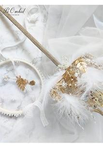 Image 2 - PEORCHID 2020 שרביט כתר יוקרה חתונה זר סיכת תכשיטי זהב עלה נוצת כלה יד מחזיק פרחים מותאם אישית 2020