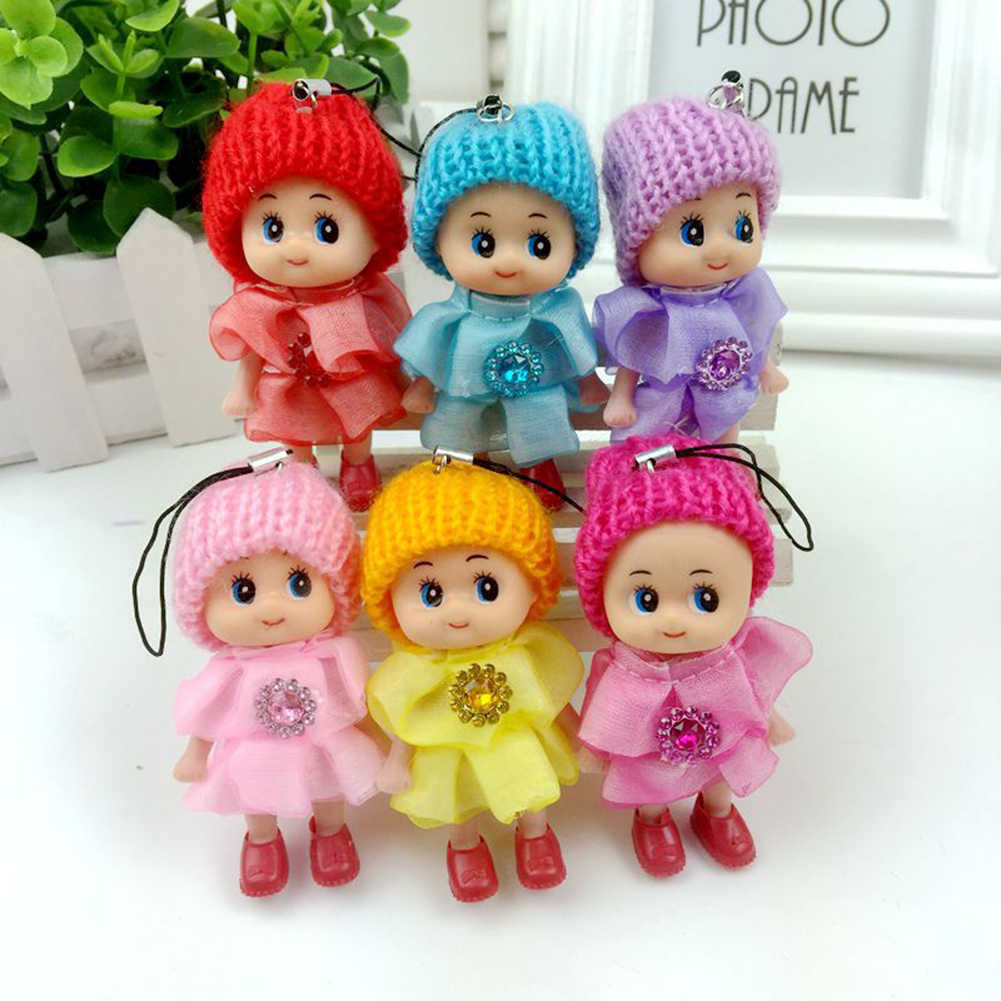 Mini vestido de sombrero de punto de diamantes de imitación muñeca de dibujos animados llavero regalo de Navidad