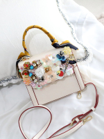 In autumn of 2019, the new fashionable ladies'bags are purely handmade and custom made flower inlaid bags, handbags with