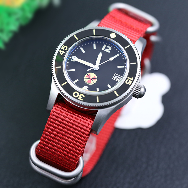 STEELDIVE 1952 China Red NH35 Automatic 300m Diver Watch Mechanical 316L Steel Automatic Watches Men Self Wind 41mm Dive Watch