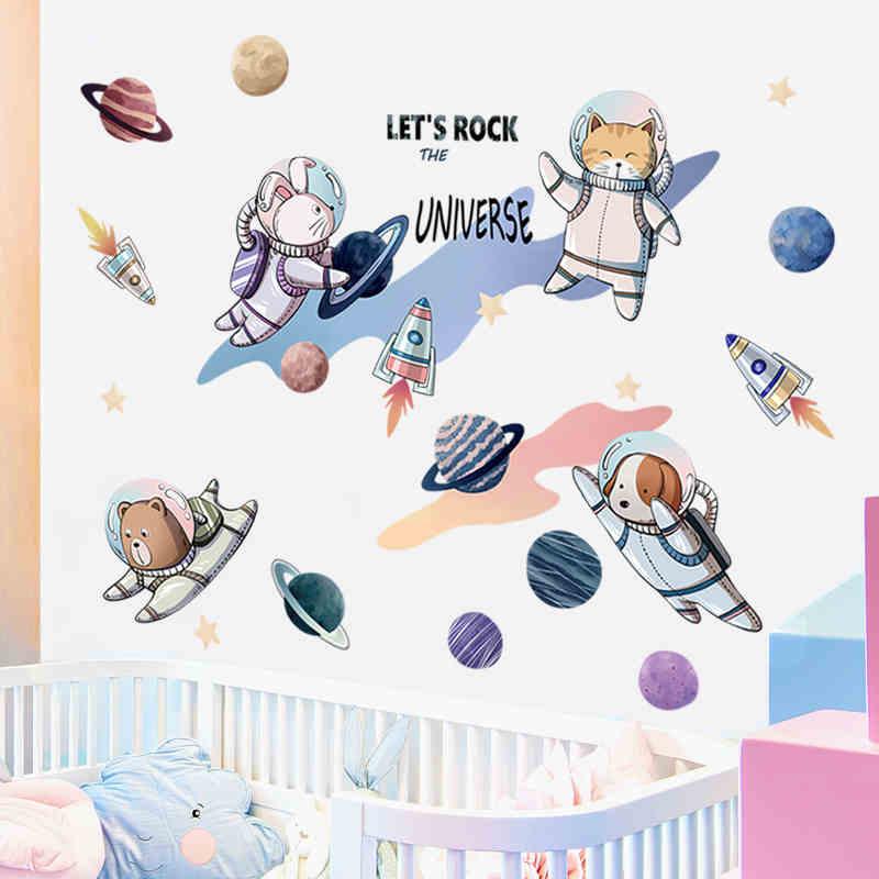 Autocollant mural de dessin animé d'astronaute | Autocollant en vinyle créatif pour décoration de chambre de garçon, autocollant mural pour chambre d'enfants dans la pépinière