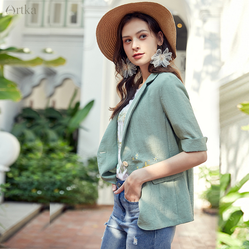 ARTKA 2020 Spring Summer New Women Blazers Fashion Embroidery Jacket Coat Casual OL Style Women Blazers And Jackets WA20207C