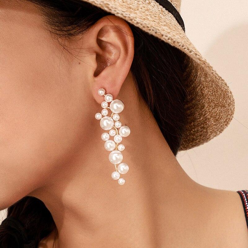 2020 Trend Simulation Pearl Long Stud Earrings Female White Round Pearl Wedding Pendant Earrings Fashion Korean Jewelry Earrings