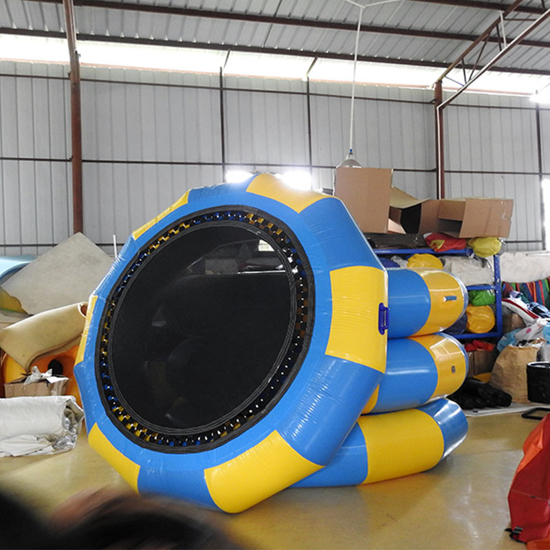 Blue And Yellow Inflatable Water Toys 2.5m Trampaulin For Water Park Games