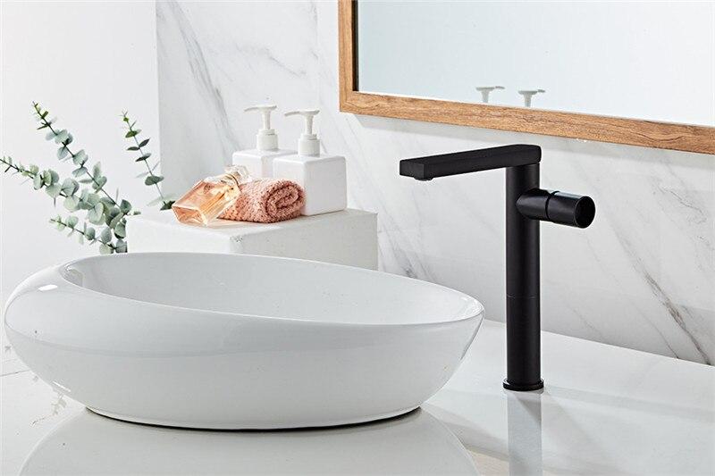 H15b1162e9a4c443996c97284a00eda0cA Basin Faucet Gold Bathroom Faucet Single handle Basin Mixer Tap Hot and Cold Water Faucet Brass Sink Water Crane New Arrivals