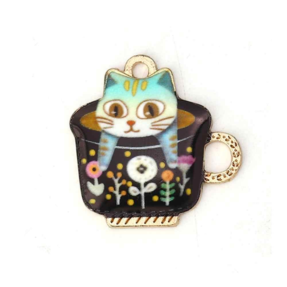 DoreenBeads แฟชั่นโลหะผสมสังกะสีจี้ Charms ถ้วยทอง Multicolor Cat Enamel เครื่องประดับ DIY 23 มม.x 23 มม.,2 PCs