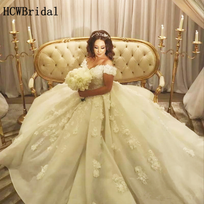 Puffy Ball Gown Dubai Wedding Dresses Flowers Lace Appliques Off