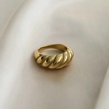 Croissant Rings for Women Braided Twisted Signet Chunky Dome Ring Stacking Band Jewelry Statement Ring Party Accessories