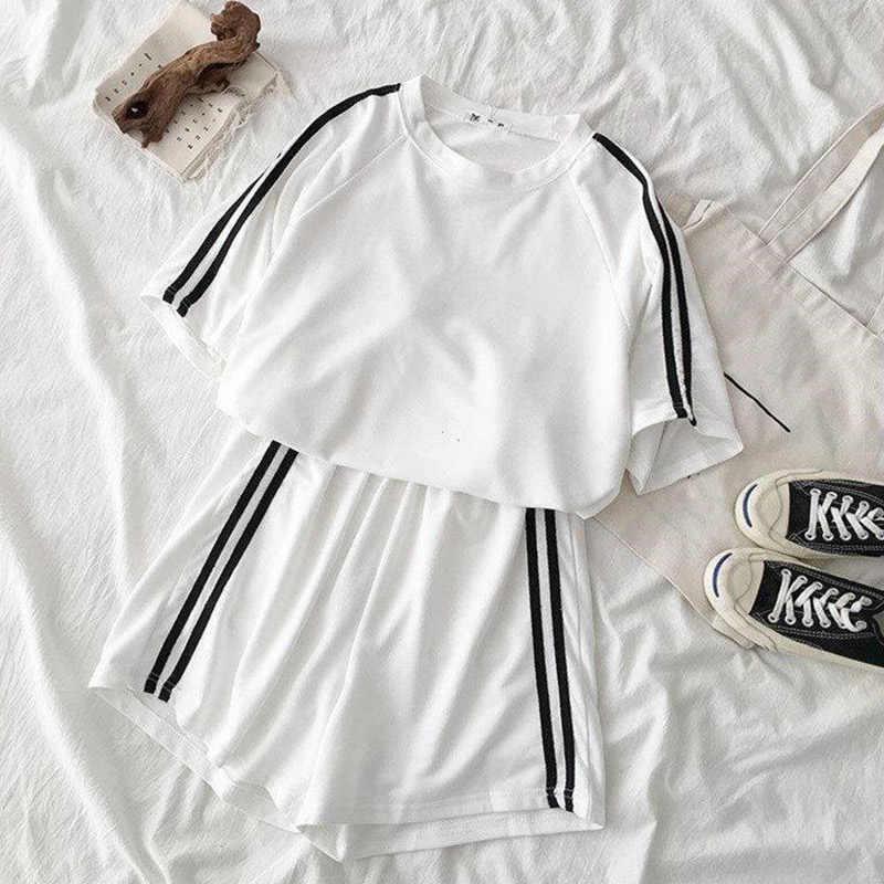 Verão solto agasalho para as mulheres manga curta t camisa de duas peças shorts conjunto feminino 2020 casual listrado esporte 2 peça define senhoras