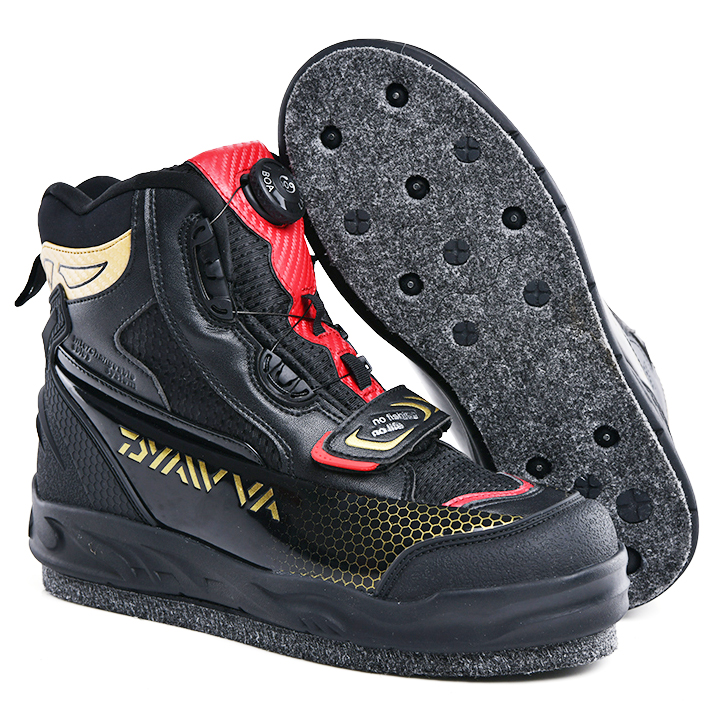 2020 New Type Of Fishing Shoes In 2019 Men's Shoes Waterproof Skid-proof  Reef-climbing Shoes Air-permeable And Warm-keeping