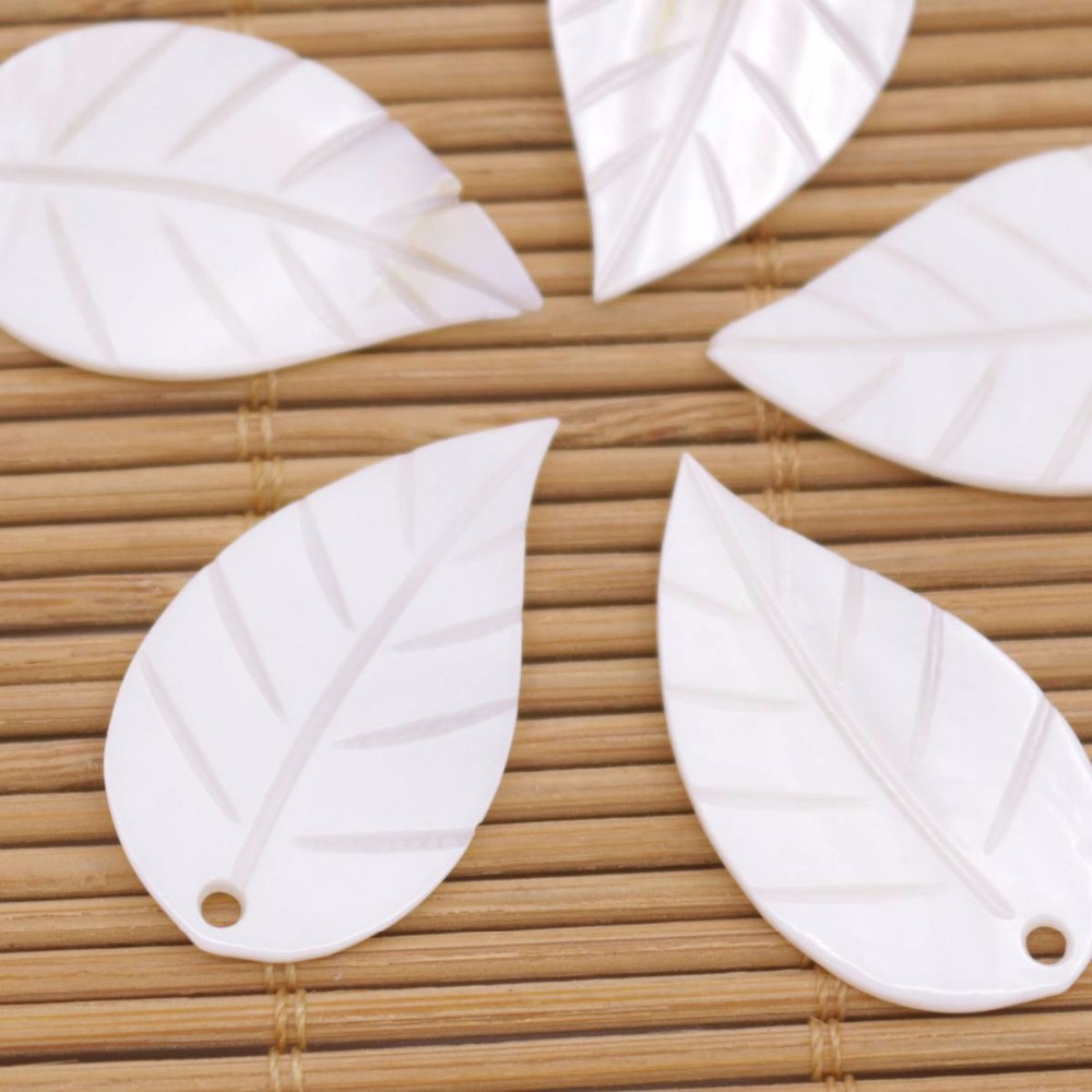Купить с кэшбэком 5 PCS Leaf Shell Natural White Mother of Pearl Jewelry Making DIY 17mmX30mm