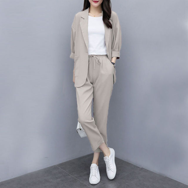 Two-piece 2021 new small suit jacket large size Korean version of loose slim casual suit suit women 3